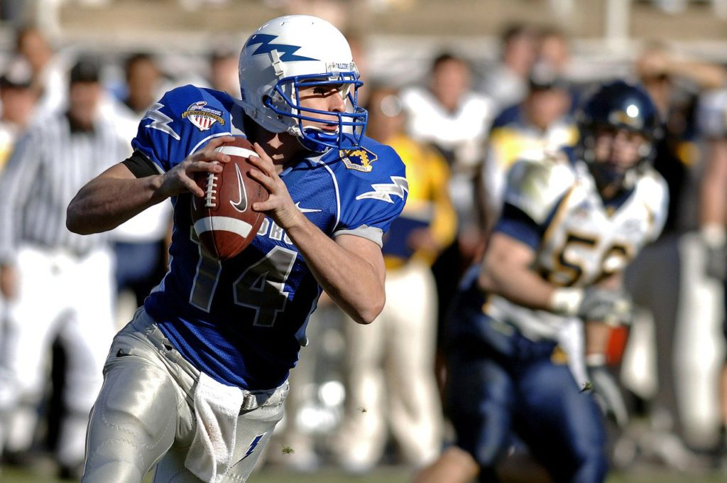 a man playing football to represent sports affiliate programs
